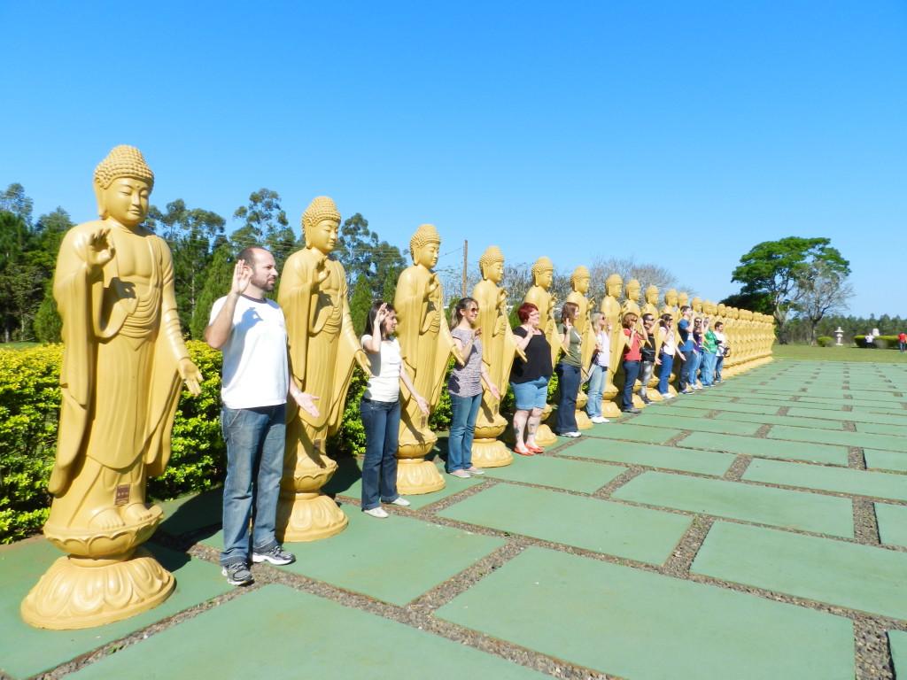 templo budista pose 2