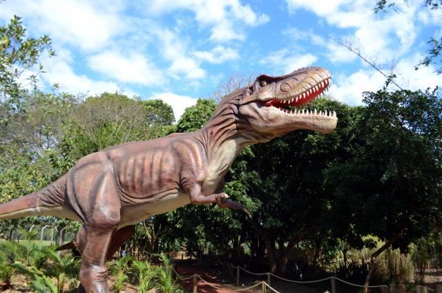 vale-dos-dinossauros-2-640x424