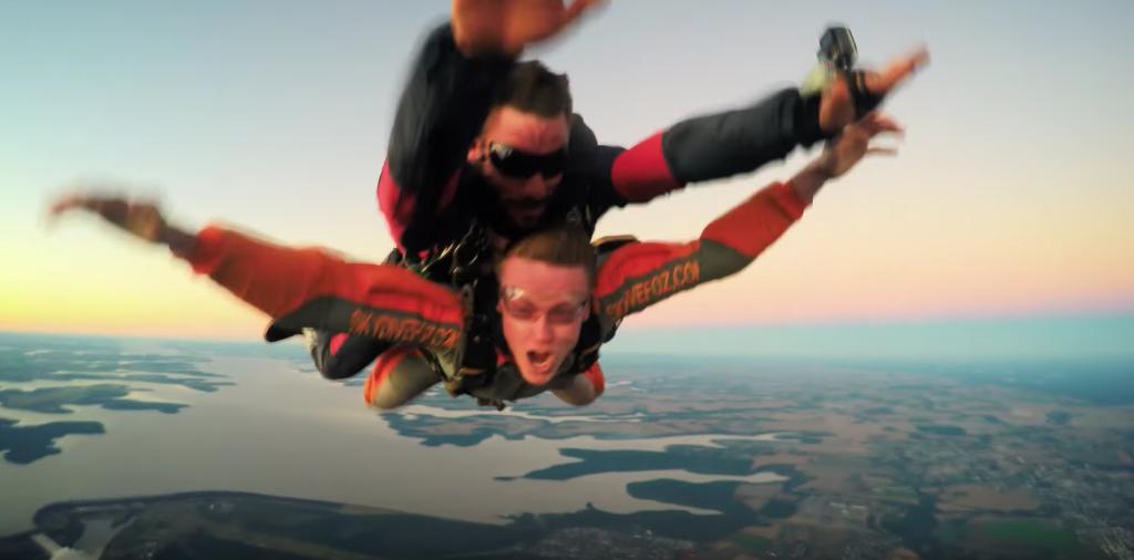 Saltar de paraquedas em Foz do Iguaçu é realmente emocionante!