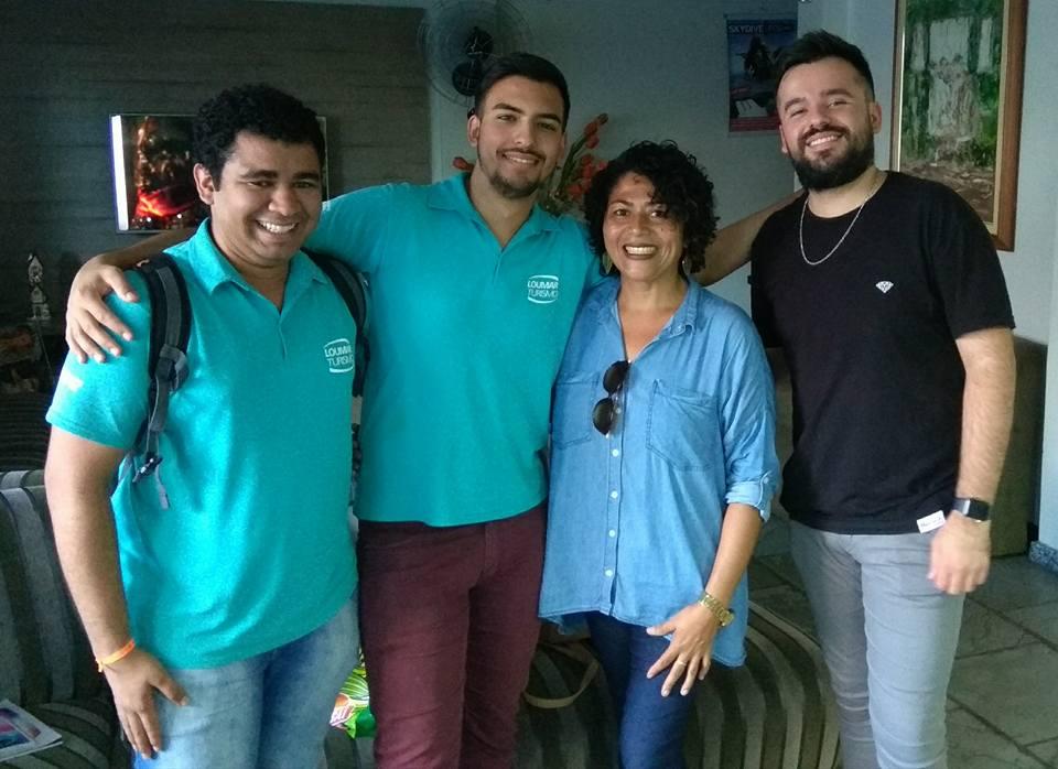 Débora com os Especialistas em Foz em uma de suas visitas à fronteira