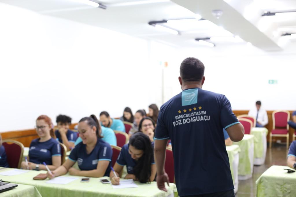 """Coaching Aurélio Sada palestra para os Especialistas em Foz sobre o """"Poder da Ação"""""""