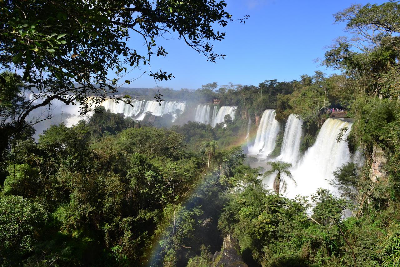 As Cataratas do Iguaçu é com certeza o principal atrativo de Foz do Iguaçu, mas aqui você vai encontrar muito mais coisas para fazer