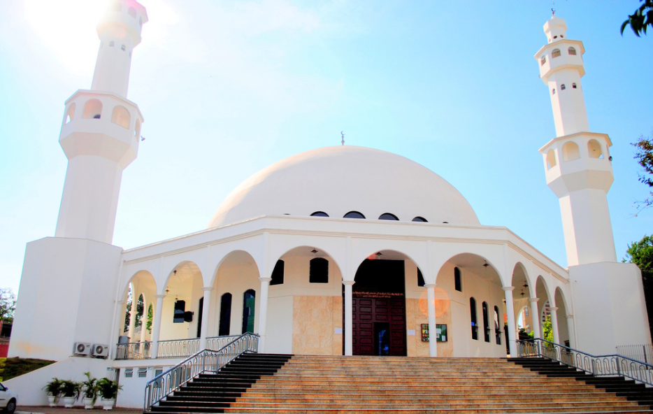 Mesquita Islâmica de Foz do Iguaçu é um atrativo que pode ser visitado através do Iguassu City Tour - Você pode reservar com um Especialista