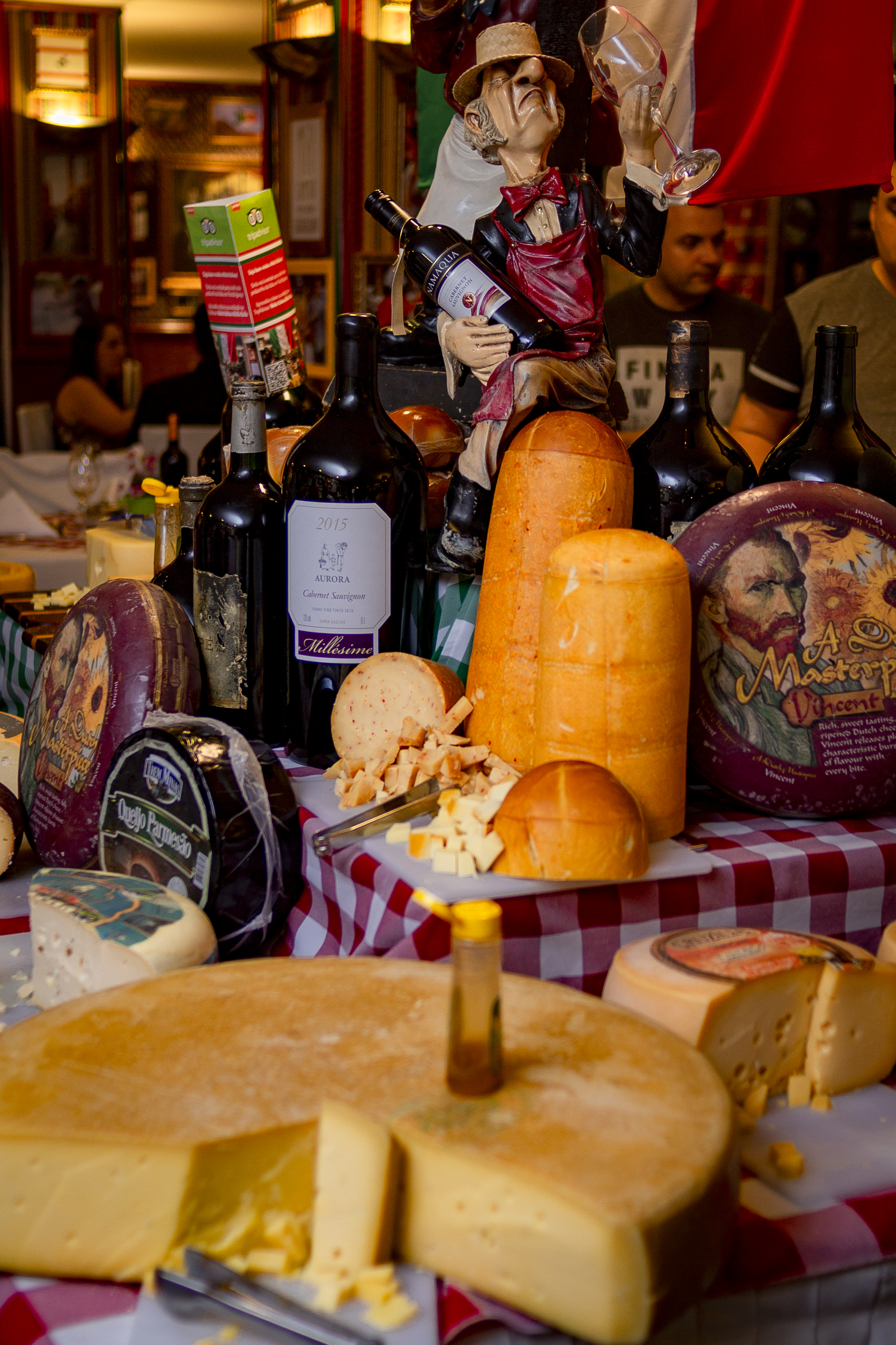 Maior mesa de queijos do Brasil