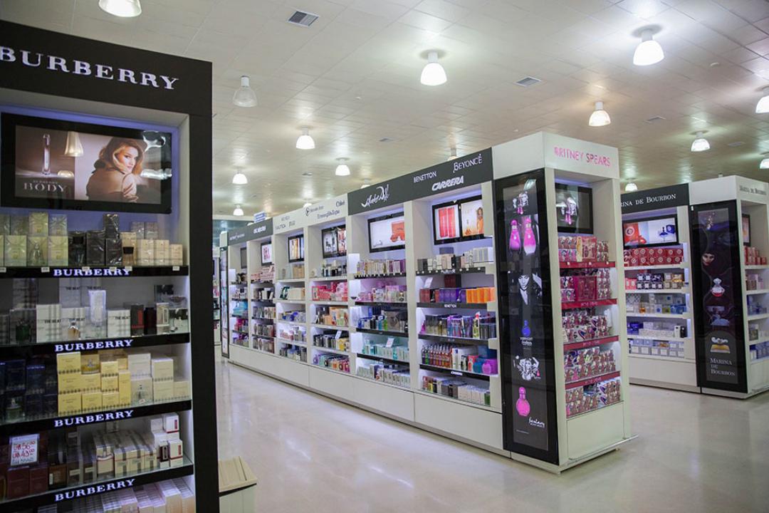 Perfumes e cosméticos com preços vantajosos nas compras no Paraguai